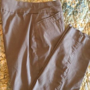 Chico's size 2 Short Golden Brown Pull On pants.